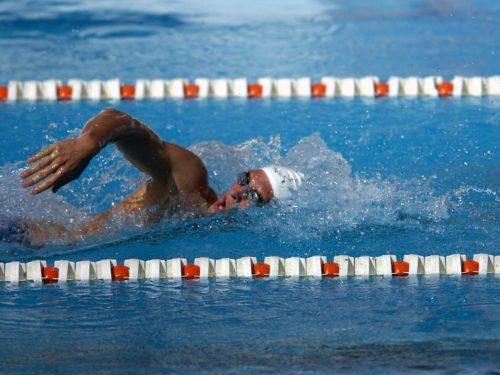 abbigliamento tecnico per il nuoto